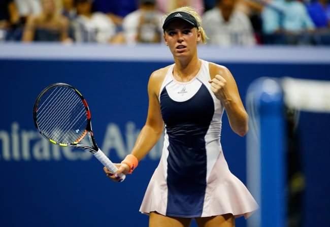 Возняцки выиграла итоговый теннисный турнир WTA вСингапуре