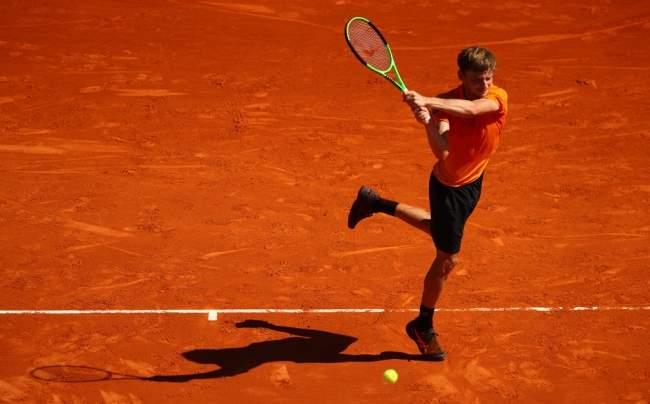 Джокович неоставил шансов украинскому теннисисту натурнире вРиме