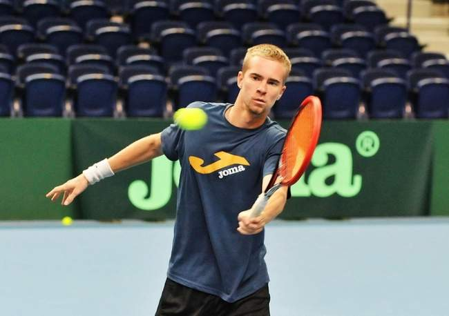 Стаховский пробился во 2-ой  круг теннисного турнира вИзмире