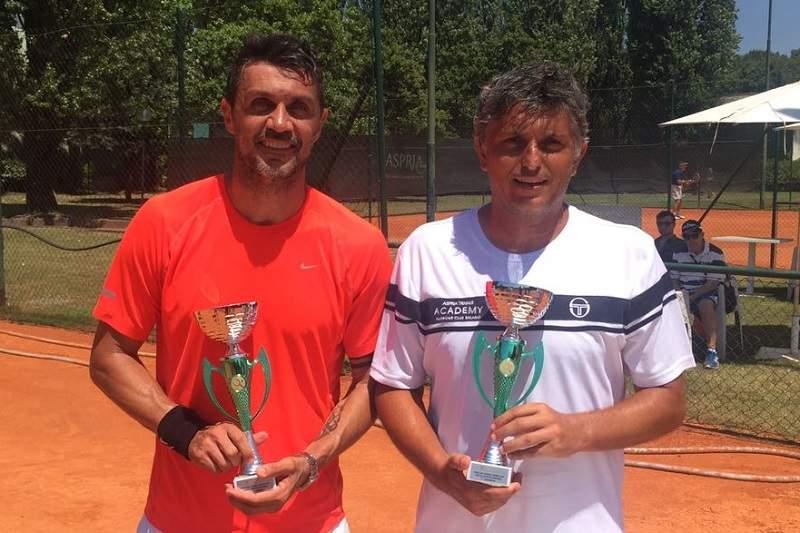 Прошлый футболист «Милана» дебютирует впрофессиональном теннисе