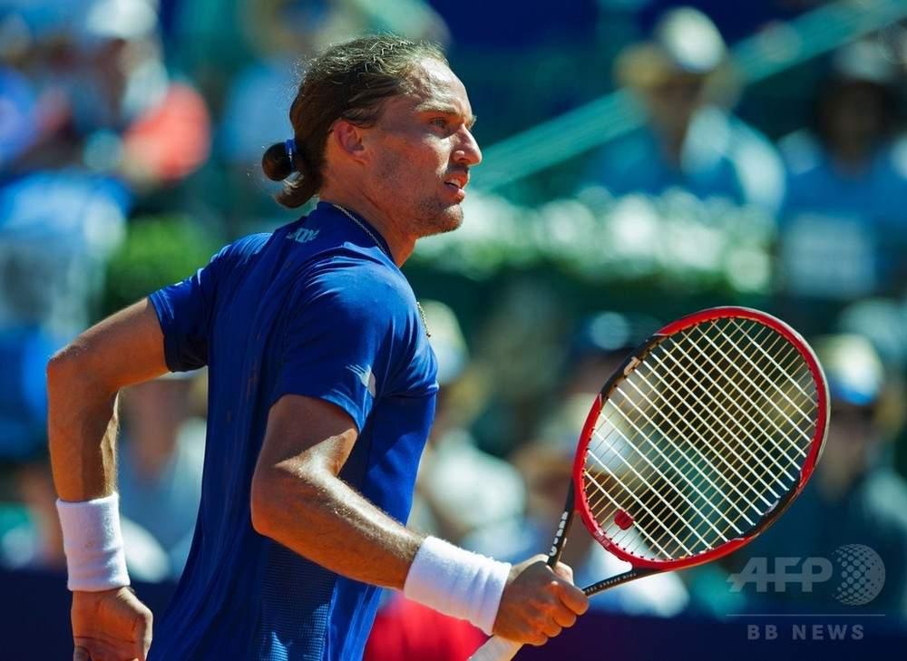 Кузнецов вышел вполуфинал теннисного турнира вБостаде