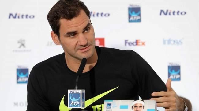 Федерер обыграл Зверева ивышел вполуфинал Итогового турнира АТР